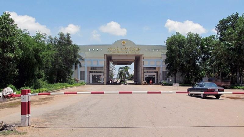 Dịch Covid-19: Bộ Công Thương khuyến cáo về việc đưa hàng tới cửa khẩu Campuchia