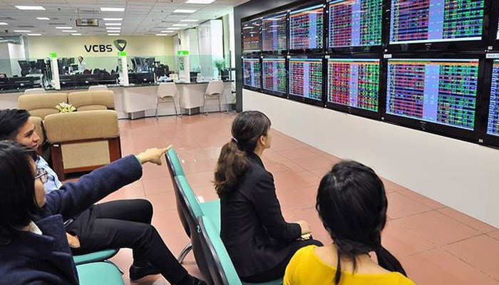 Những thương vụ tỷ USD và cuộc đua khốc liệt của công ty chứng khoán Việt
