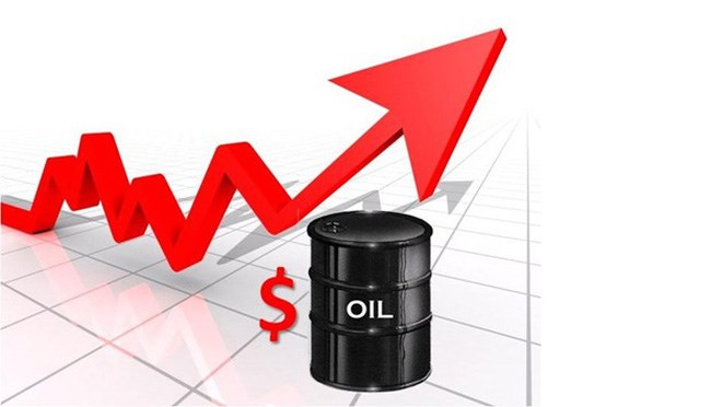 Nguồn cung toàn cầu giảm, giá dầu tăng 2%, chạm đỉnh 5 tháng