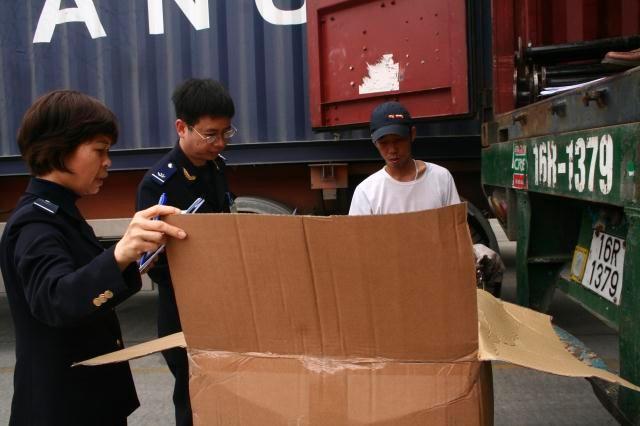 Thu NSNN 1.271,668 tỷ đồng từ công tác chống buôn lậu, gian lận thương mại