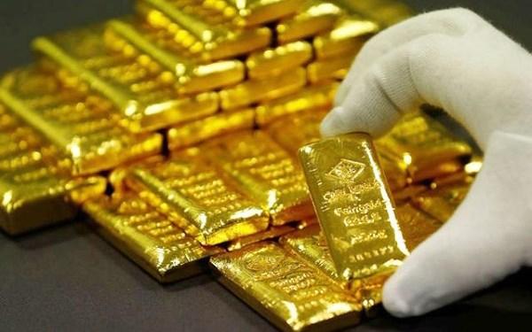 """Donald Trump """"mạnh tay"""", giá vàng """"tăng vọt"""""""