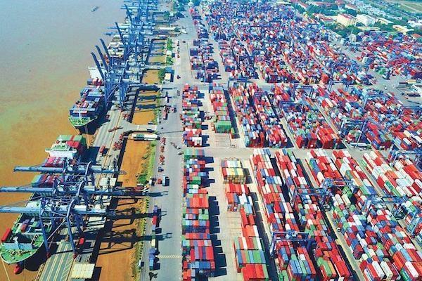 Việt Nam cần làm gì để sớm hồi phục kinh tế?