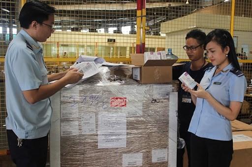 Bộ Tài chính rà soát việc xử phạt hàng hóa nhập khẩu chưa có nhãn phụ bằng tiếng Việt