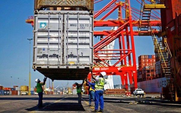 """IMF: Kinh tế toàn cầu đang ở """"thời điểm nhạy cảm"""""""