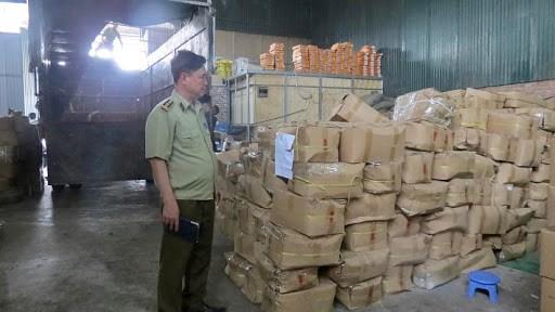 Tiêu hủy 21 tấn hàng hóa không đạt tiêu chuẩn