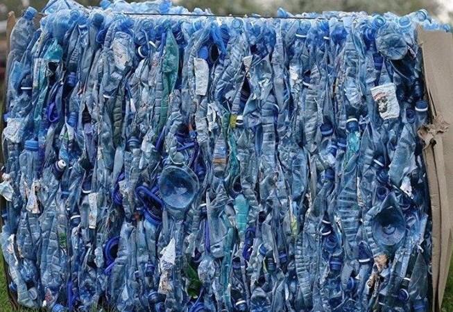 Indonesia chuyển trả 5 container... rác quay lại Mỹ