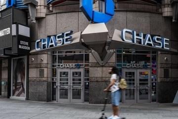 Tiền gửi tiết kiệm tăng 2.000 tỷ USD, ngân hàng Mỹ