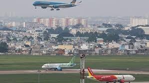 Doanh nghiệp hàng không căng mình tái định vị