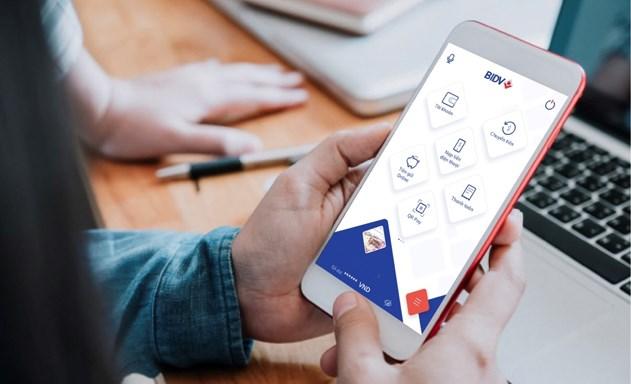 Thanh toán qua thẻ tín dụng: Tăng khuyến mãi, khách hàng vẫn e ngại