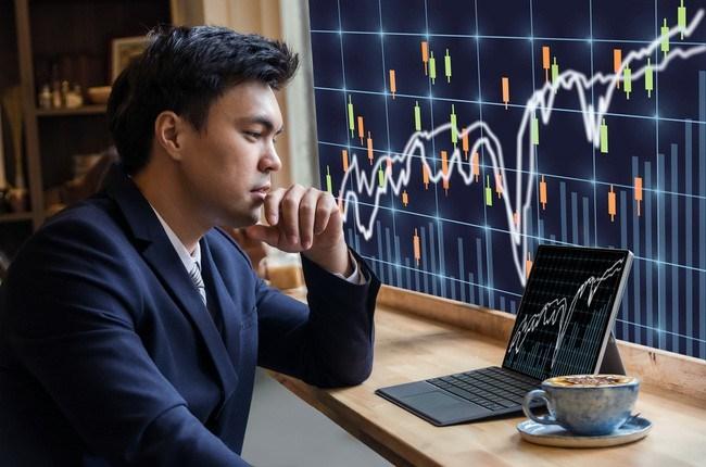 """""""Sóng"""" cổ phiếu ngân hàng có nổi?"""