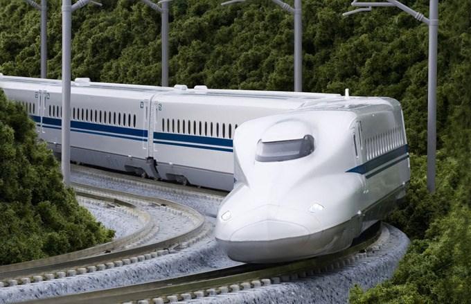 Tranh luận về hai phương án đường sắt cao tốc