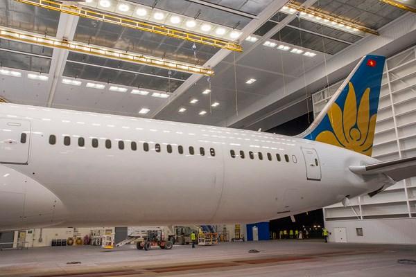 """Hé lộ ảnh những chiếc Boeing 787-10 đang được """"khoác áo"""" Vietnam Airlines"""