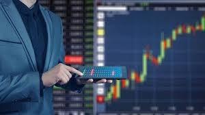 Thị trường chứng khoán nghiêng dần sang nhóm cổ phiếu vốn hóa nhỏ