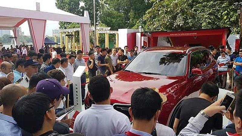 Người Việt giảm mua xe máy, tăng sắm ô tô trong nửa đầu năm 2019