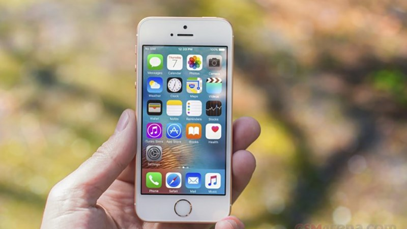 Chiếc iPhone rẻ nhất, nhỏ nhất vừa được 'hồi sinh' với giá 90 USD