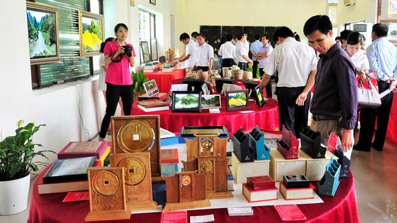 Giải pháp thúc đẩy tiêu thụ quà lưu niệm du lịch ở Ninh Bình
