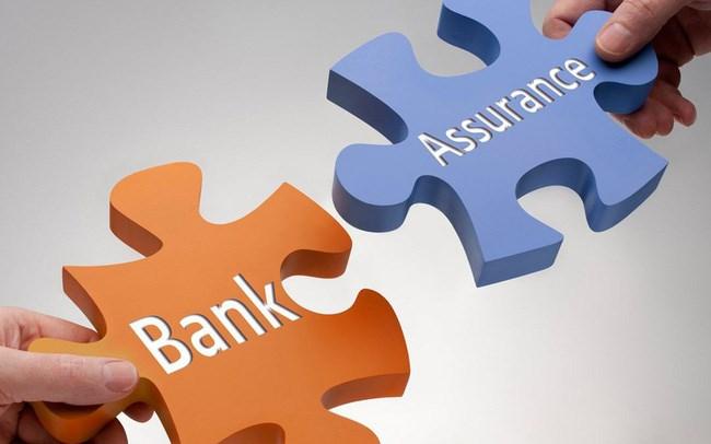 Ngân hàng thu trăm, nghìn tỷ từ bancassurance
