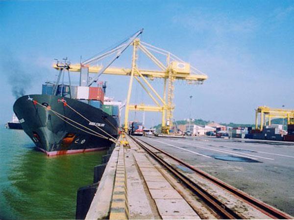 Kinh tế miền Trung: Làm gì để thoát khỏi