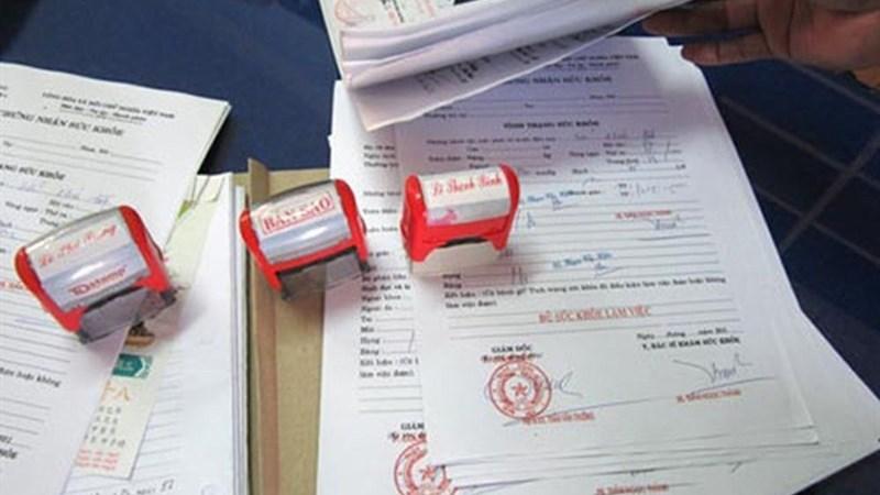 Sử dụng giấy khám sức khỏe giả sẽ bị chế tài nặng hoặc phạt tù