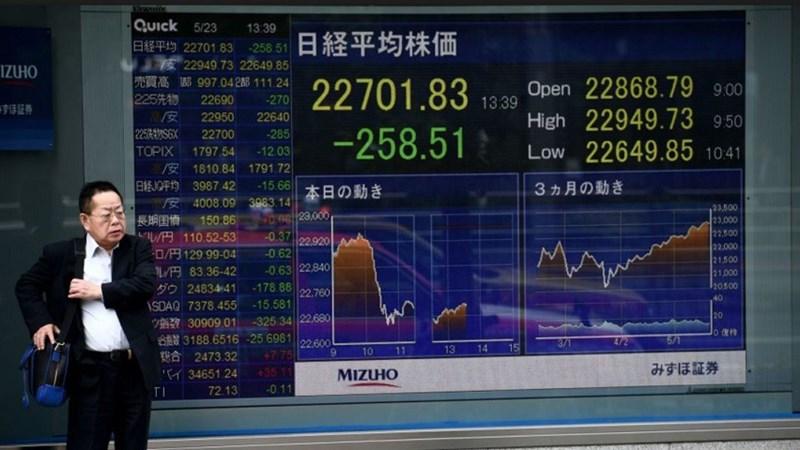 Chứng khoán châu Á trái chiều, trước thềm họp ECB