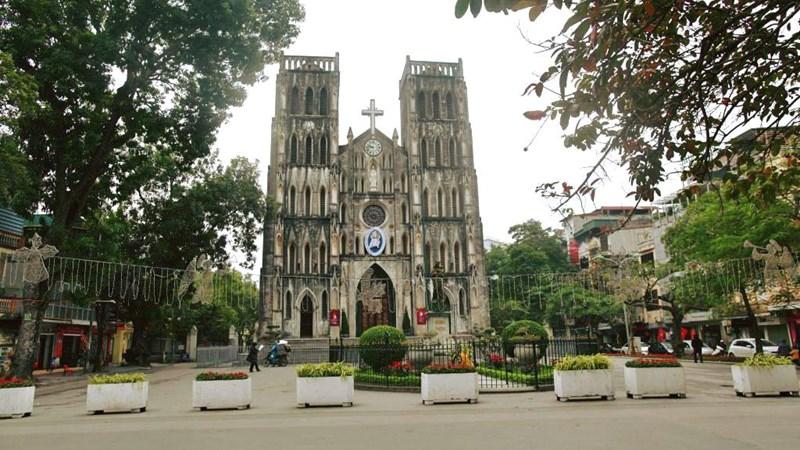 30 điểm du lịch nổi tiếng ở Hà Nội sắp bị cấm hút thuốc lá