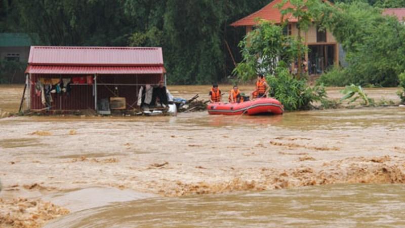 Chủ động xuất cấp kịp thời hàng dự trữ quốc gia khắc phục hậu quả mưa lũ