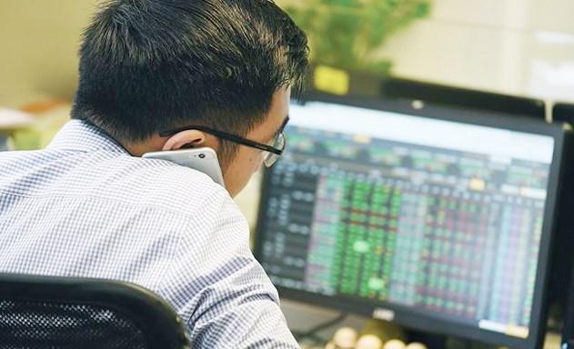 Thị trường tăng điểm, quản lý quỹ ngậm ngùi báo lỗ