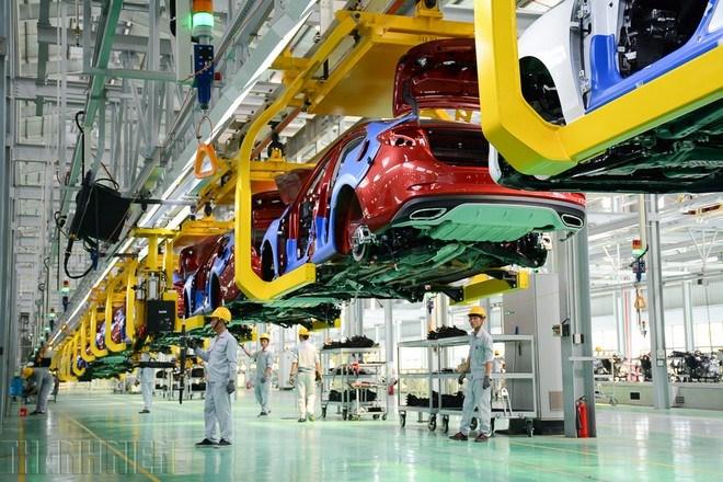 Không tiếp tục kéo dài giảm phí trước bạ đối với ô tô sản xuất, lắp ráp trong nước