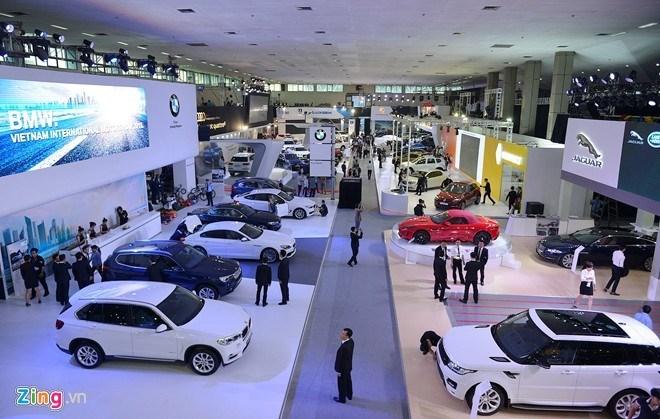 Doanh số bán ô tô lập kỷ lục với 28.000 xe trong tháng 7