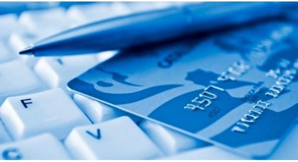 Phát triển thương mại điện tử: Tìm lối đi riêng