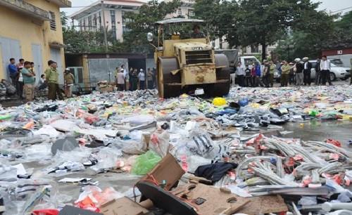 TP. Hồ Chí Minh: Một tuần tiêu hủy hơn 54,8 triệu đồng hàng lậu