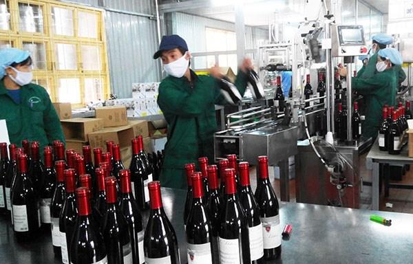 Hà Nội: Xử lý nghiêm các cơ sở vi phạm sản xuất, kinh doanh rượu