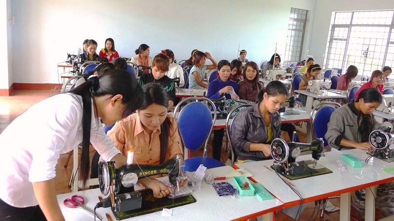 Khuyến khích tạo việc làm cho lao động thuộc các hộ nghèo, cận nghèo