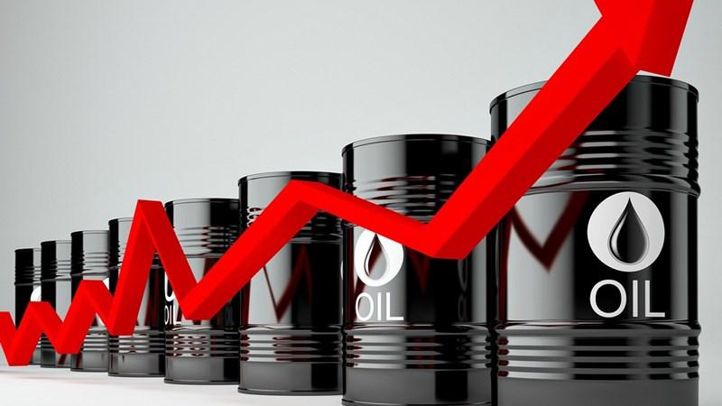 Tồn kho dầu của Mỹ giảm mạnh đẩy giá dầu tăng vọt