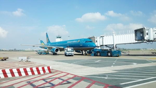 Đề xuất rút ngắn lộ trình tăng giá dịch vụ hàng không