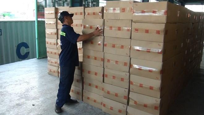 Bắt giữ hơn 1 triệu gói thuốc lá lậu