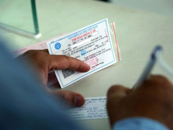 Bảo hiểm xã hội Việt Nam hướng dẫn việc cấp sổ BHXH và thẻ BHYT