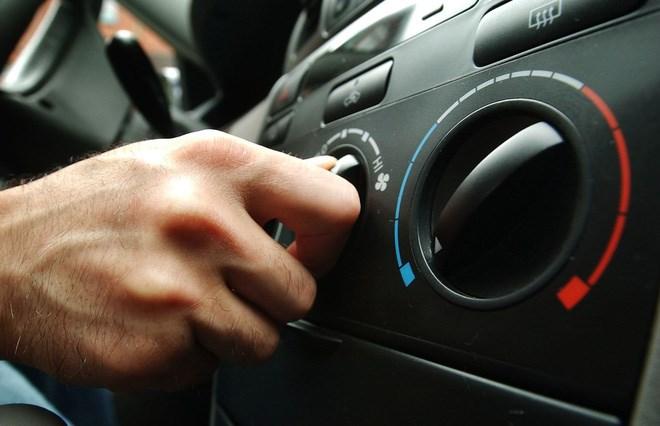 8 mẹo dùng điều hòa ô tô mọi người cần biết