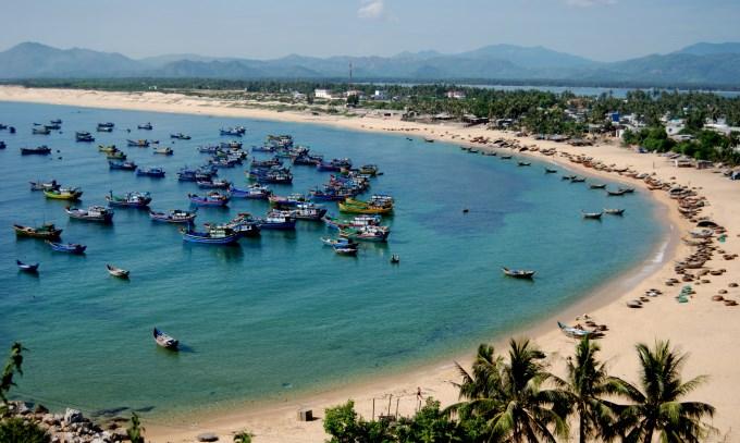 Xây dựng hệ thống quan trắc và cảnh báo môi trường biển 04 tỉnh miền Trung