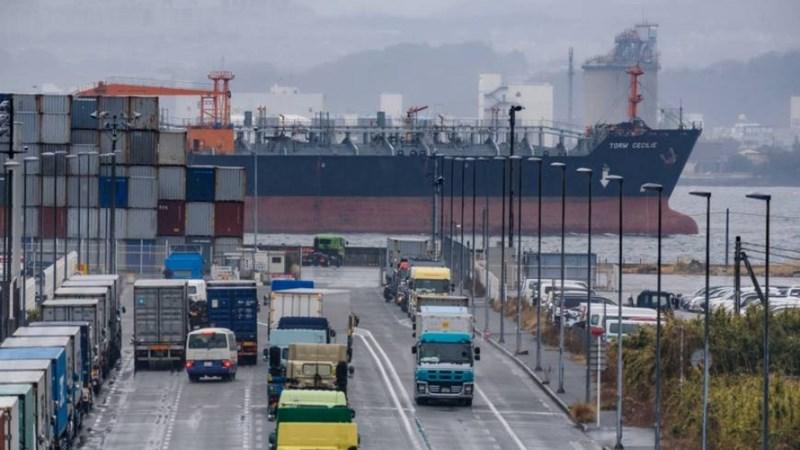 Nhật Bản tiếp tục duy trì thặng dư thương mại lớn