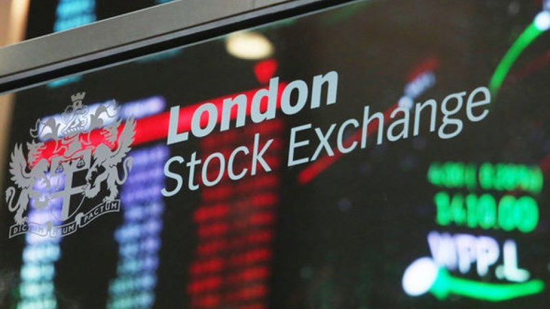 Sắc đỏ bao trùm thị trường chứng khoán Âu - Mỹ