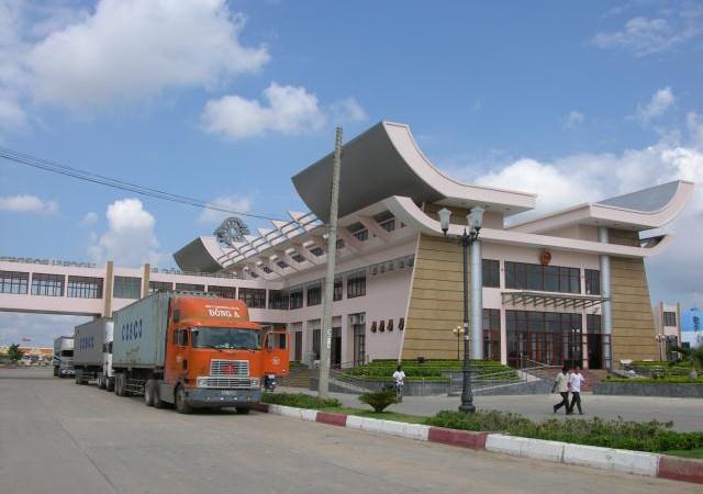 Tây Ninh: Tăng cường chống buôn lậu thuốc lá