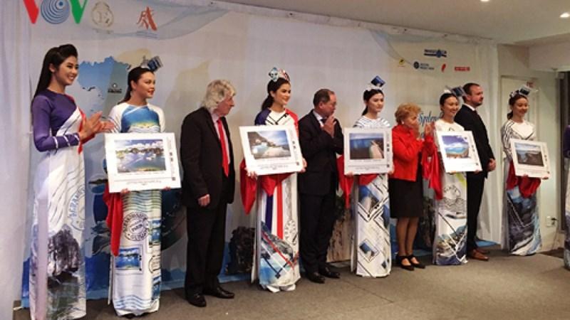 Hình ảnh biển đảo Việt Nam lên tem bưu chính Pháp