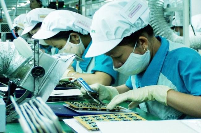 """Các doanh nghiệp điện tử """"khát"""" lao động có chuyên môn kỹ thuật"""