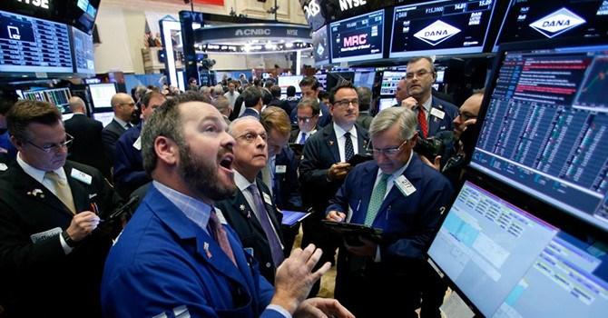 Chứng khoán Mỹ tiếp tục lập đỉnh nhờ nỗi lo lãi suất tạm lắng