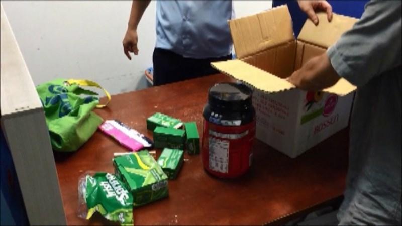 Lo ngại buôn lậu, sẽ giám sát chặt hàng hóa là hành lý, quà biếu, quà tặng từ nước ngoài