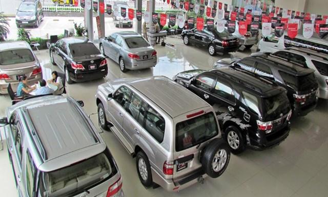 Xe trong nước giảm giá để 'đấu' xe nhập khẩu thuế 0%
