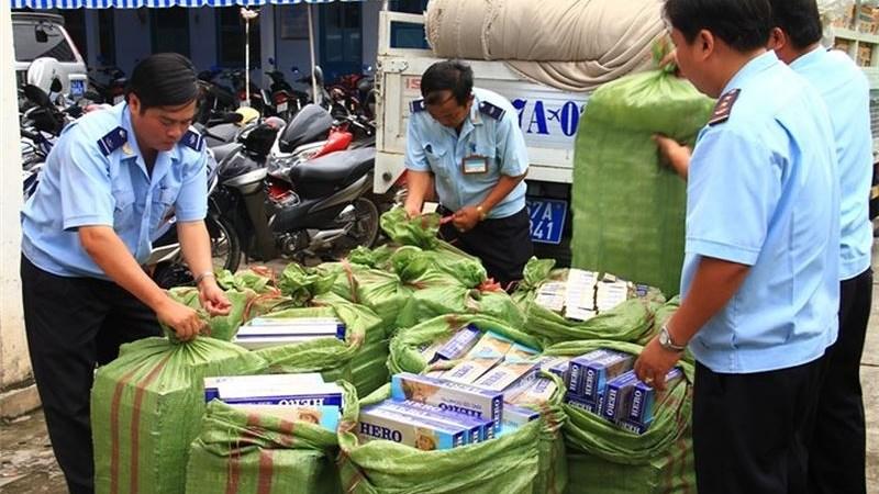 Chống buôn lậu thuốc lá: Tập trung kiểm soát thị trường bán lẻ
