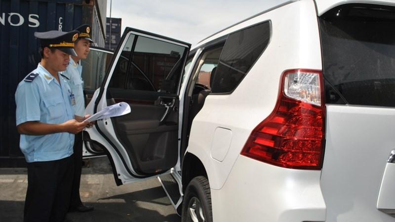 Ô tô nhập khẩu nguyên chiếc giảm mạnh trong tuần cuối tháng 6
