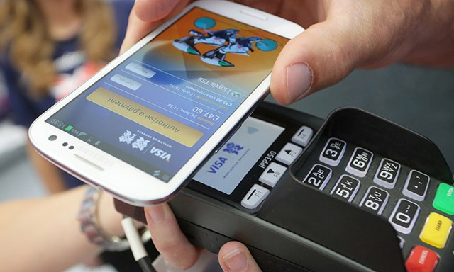 """Doanh nghiệp ngoại """"nhòm"""" vào tương lai ví điện tử"""